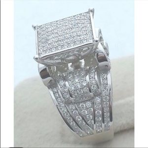 Jewelry - Size 6 Silver Plated & Austrian Crystal Ring 💍🎁